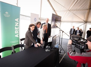 Lily D'Ambrosio, Victorian Minister for Energy and Resources; Dr John Lasich, CTO RayGen; Andrea Gaffney, Manager Strategic Communication, ARENA; and Bob Cart, CEO RayGen, officially switch on the plant at Newbridge