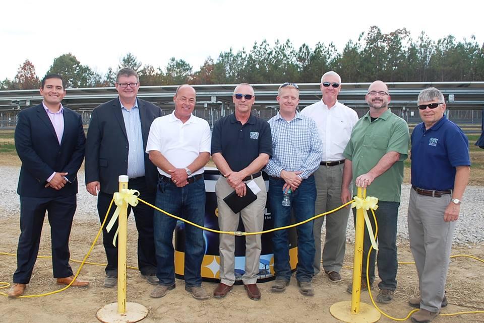 solar-array-plateau-park-solar-tennessee-restoration-services-vis-solis-ribbon-cutting
